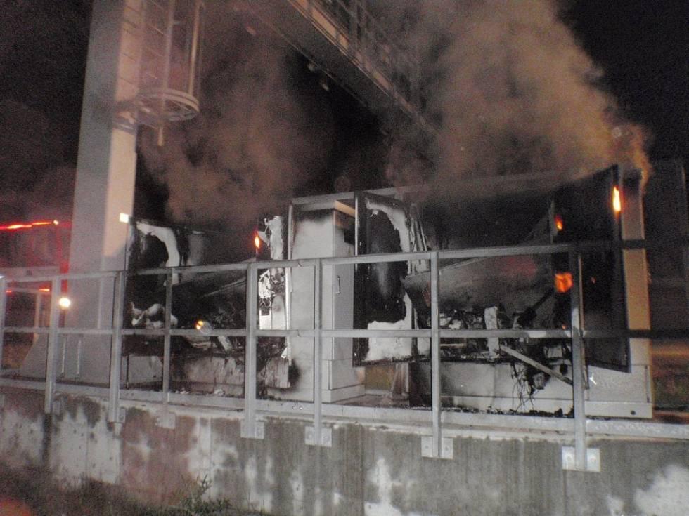 vypálené-napájení-mýtné-brány_113